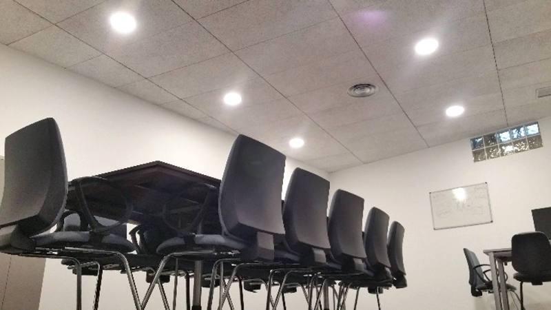 iluminación oficina empleo