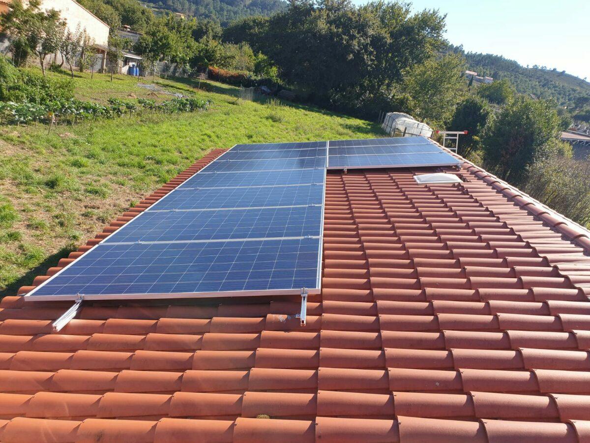 paneles solares en Catoira